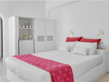 Finikia Memories Hotel, hotels in Oia