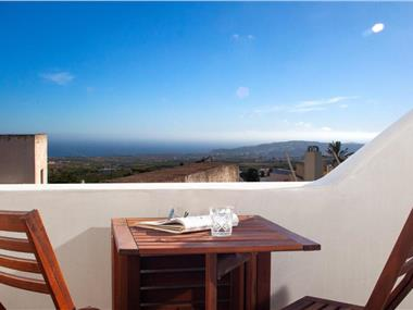 Sweet Nectar Villa with Hot Tub, hotels in Pyrgos