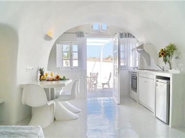 Cally Cave Houses, hotels in Fira
