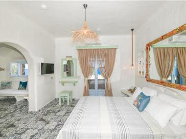 Starlight Luxury Seaside Villa, hotels in Vourvoulos