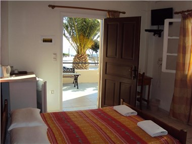 Romantic Spa Resort By Romantic Collection, hotels in Fira