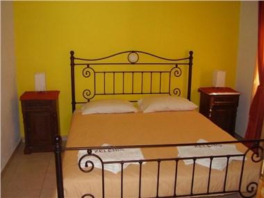 Kelenis Apartments, hotels in Karterados