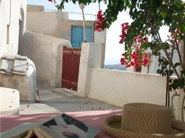 Traditional Farmers Caves, hotels in Emporio