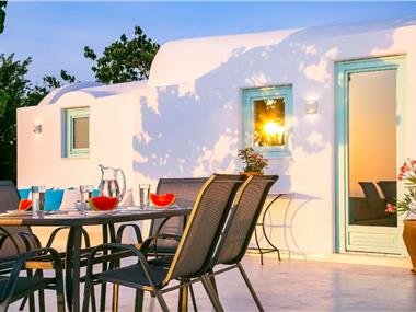 Mulberry Villa, hotels in Oia