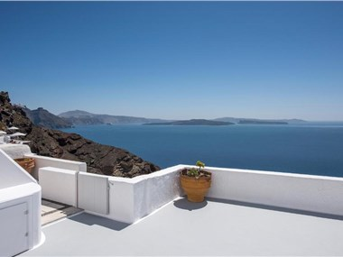 Perfect Purity, hotels in Oia