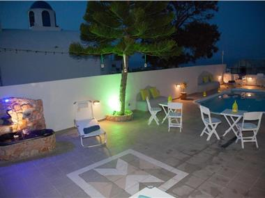 Villa Anto, hotels in Fira