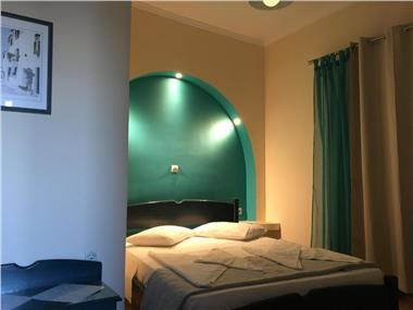 Equanimity, hotels in Fira
