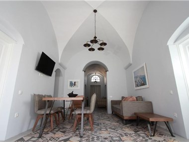 Antique Mansion, hotels in Oia