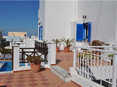 Cyclades Hotel, hotels in Karterados