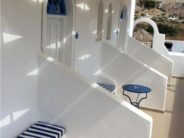 Bluelife, hotels in Perissa