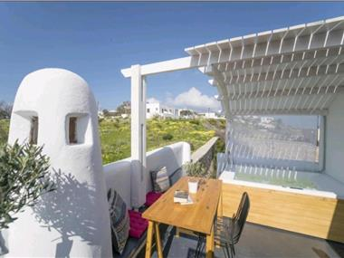 Dome Suites, hotels in Firostefani