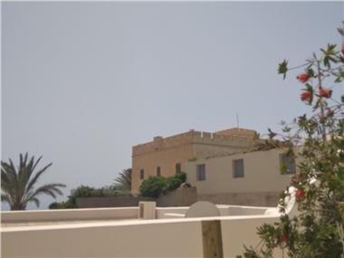 The Garden View 2, hotels in Fira