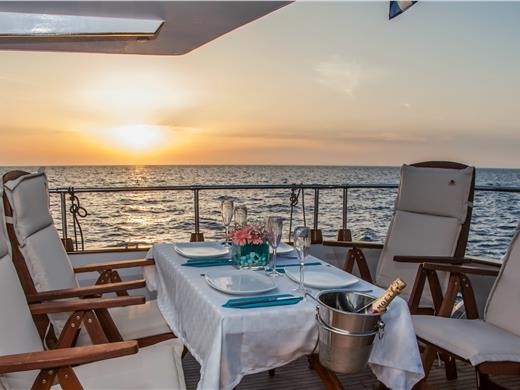 Luxury Motor Yacht Cruise with Gourmet 5-Course Lunch or Dinner - Yacht Cruises - Santorini View