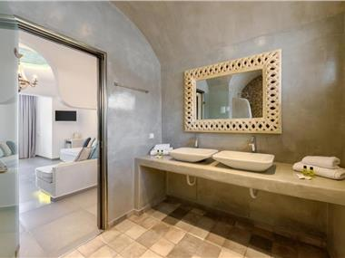 A&G Suites, hotels in Fira