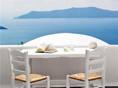 Homeric Poems, hotels in Firostefani