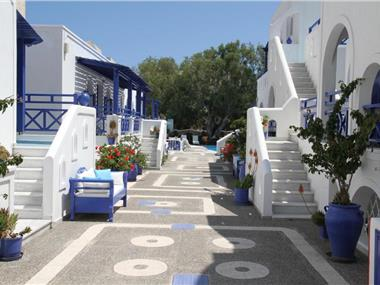 Samson΄s Village, hotels in Perissa