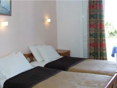 Babis Hotel, hotels in Karterados