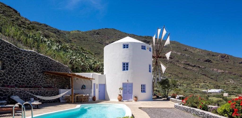 Photo of Pori Villa Sleeps 6 Pool Air Con WiFi