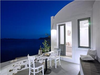 Ocean Blue Villas, hotels in Oia
