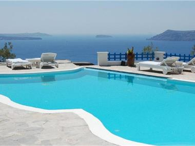 Mr. and Mrs. White Santorini, hotels in Oia