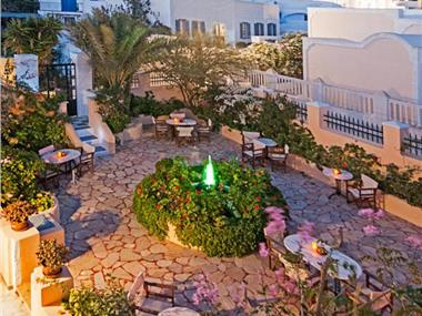 Donna's House Santorini, hotels in Pyrgos