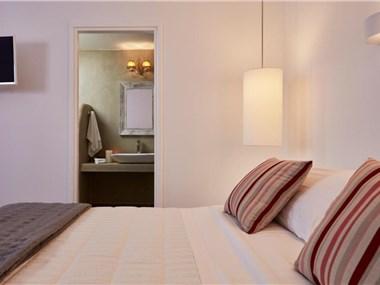 Orabel Suites Santorini, hotels in Perivolos