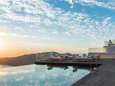 West East Suites, hotels in Imerovigli