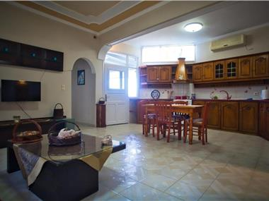 Athina Apartment Fira, hotels in Fira