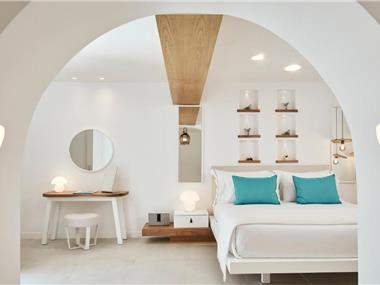 Nikki Beach Resort & Spa Santorini, hotels in Kamari