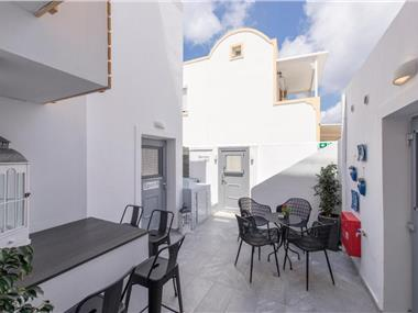 Bedspot Hostel, hotels in Fira