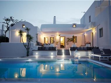 Aleria Villa, hotels in Messaria