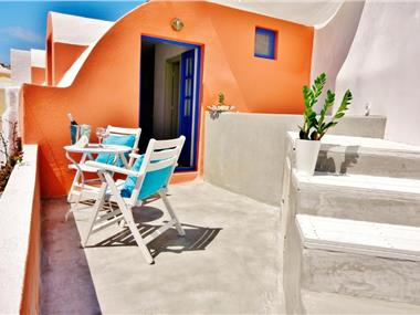 Chroma Suites, hotels in Oia
