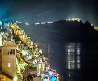 Santorini a paradise for shopping lovers