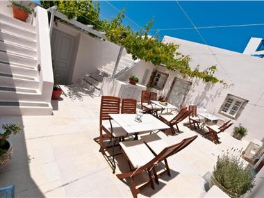 Cori Rigas Suites, hotels in Fira
