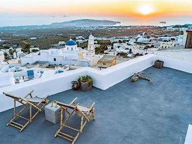 Reflection Cave House, hotels in Pyrgos