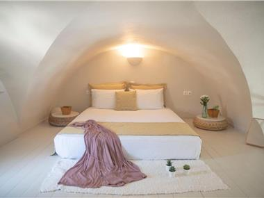 Michelangelo Beach Villa, hotels in Oia