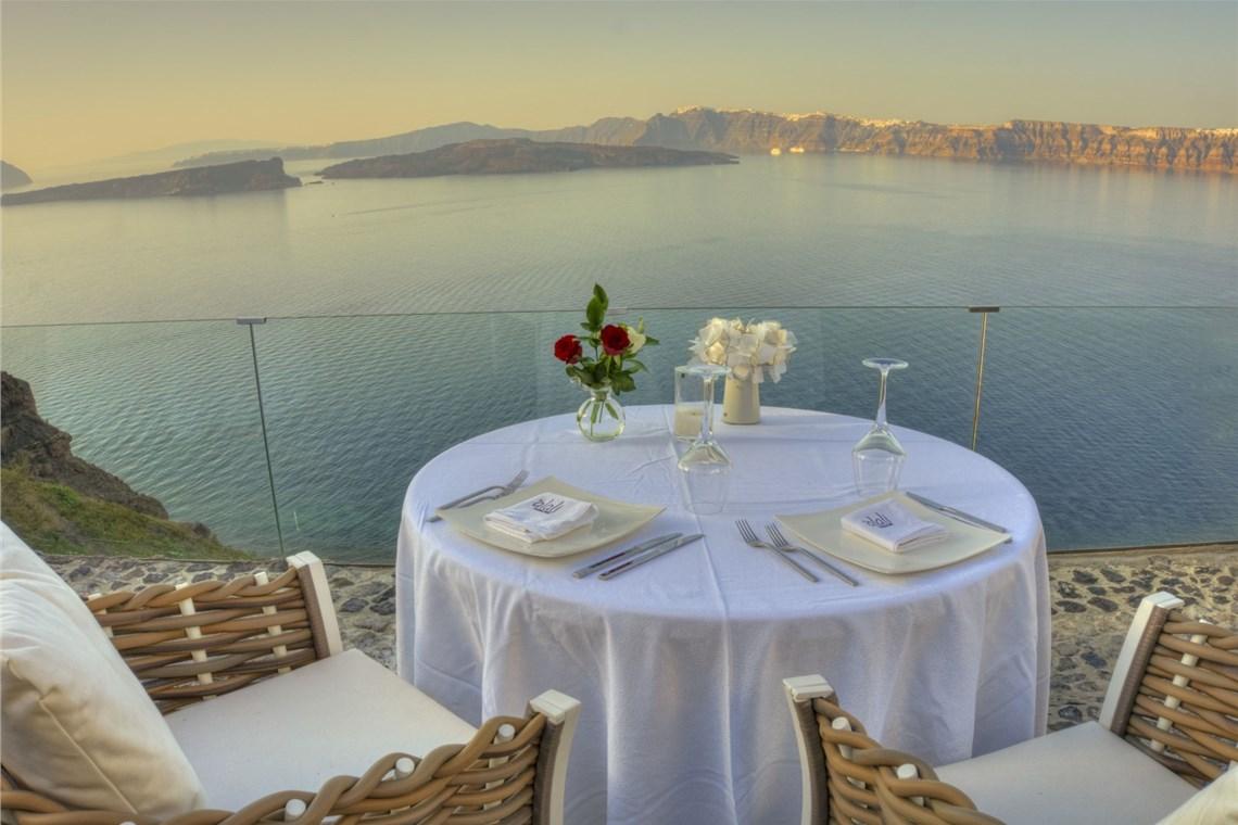 Restaurant of Astarte Suites