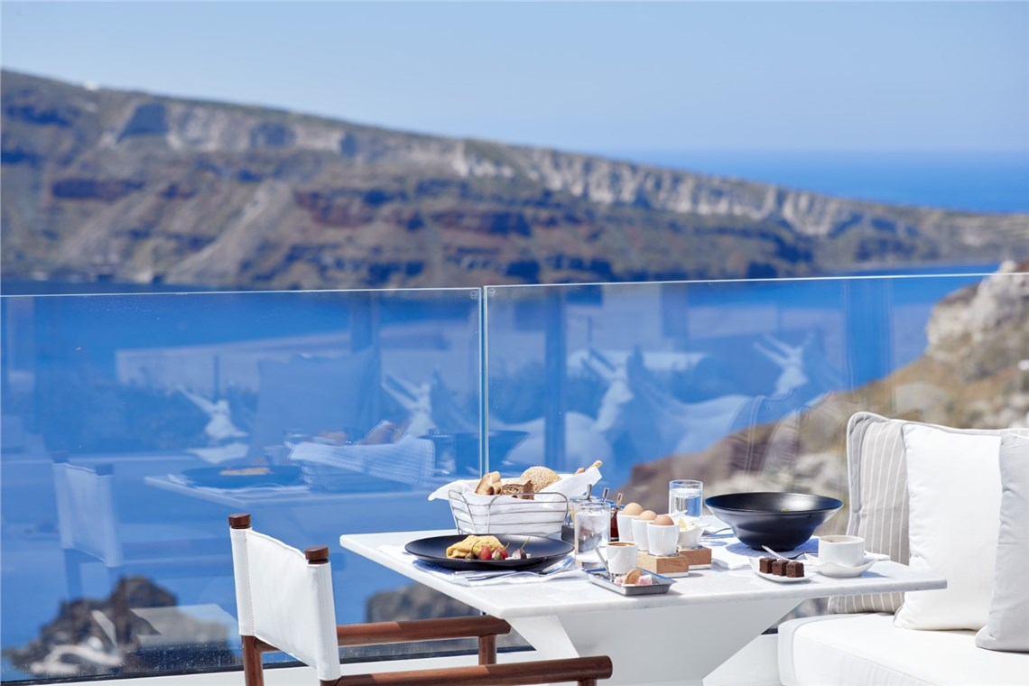 Restaurant of Canaves Oia Sunday Suites