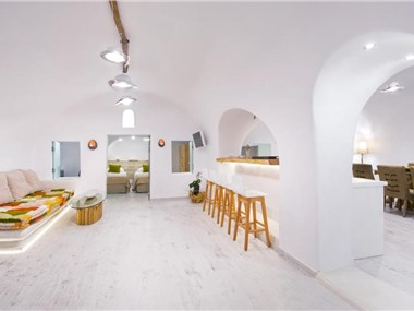 Hyperion Oia Suites, hotels in Oia