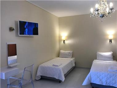 Fira home 1, hotels in Fira