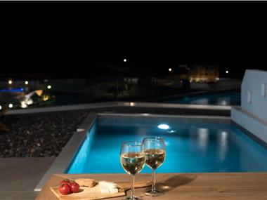 Valery Suites, hotels in Fira