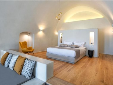 Halcyon Days Suites, hotels in Pyrgos