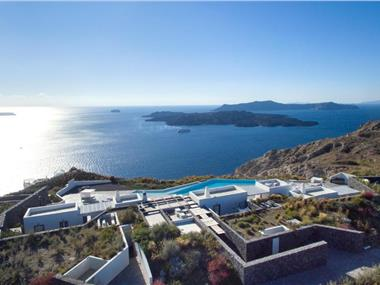 Erosantorini, hotels in Fira