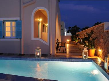 Villa Rose, hotels in Fira