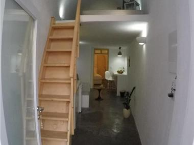Akron Cliff Suite, hotels in Fira