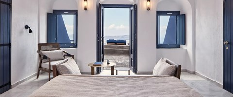 Cave Suite (2-4 guests) with Caldera View