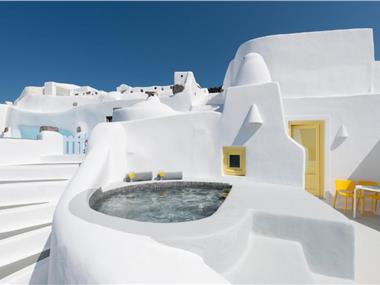 Anemomilos, hotels in Oia