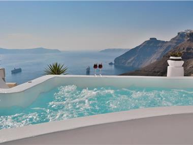 Trieris Villa & Suites, hotels in Fira
