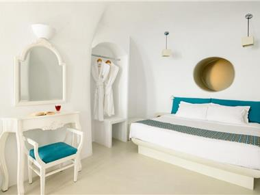 Thirea Suites, hotels in Oia