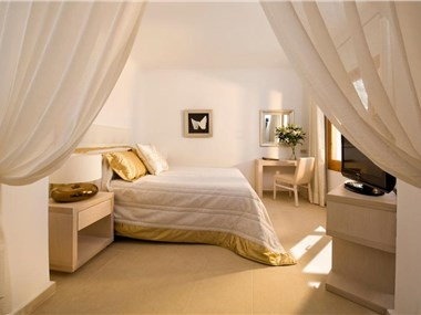 Gold Suites, hotels in Imerovigli
